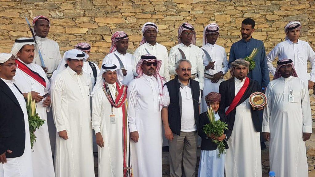 السفير اليمني بالمملكة يزور قرية ذي عين التراثية بالباحة