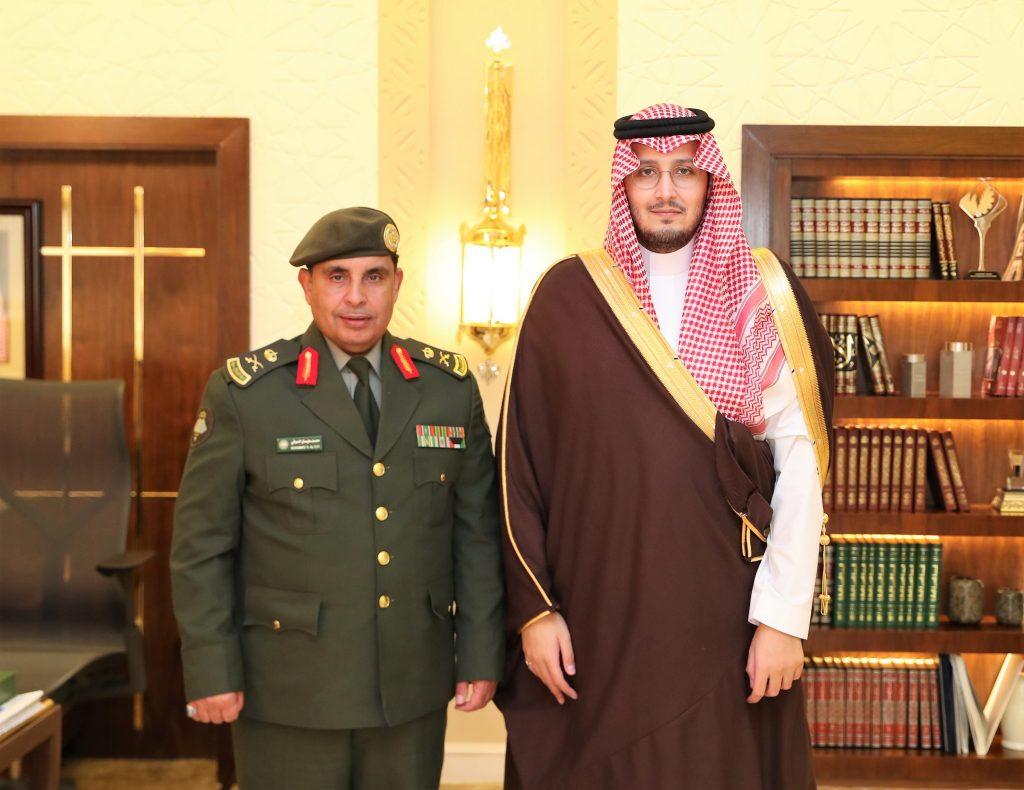 الأمير أحمد بن فهد يهنئ مدير جوازات الشرقية بترقيته لرتبة لواء
