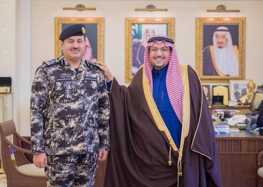 أمير القصيم يقلد قائد قوة أمن المنشآت بالمنطقة رتبته الجديدة