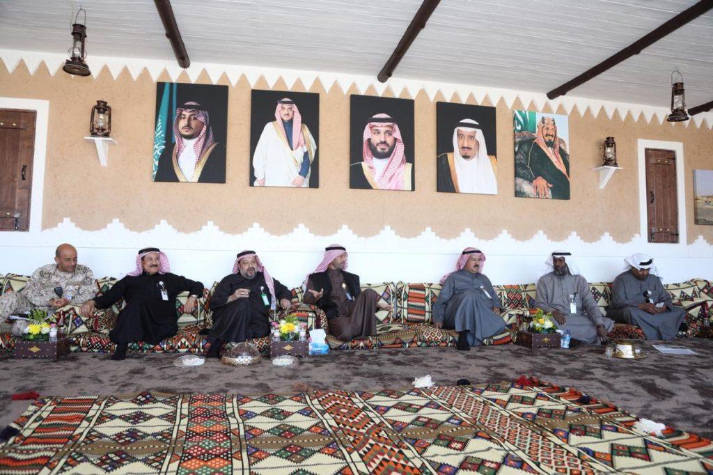 رؤساء وفود المناطق وإدارة المهرجان بالجنادرية يجتمعون بالبيت الجوفي ويشيدون بالجهود المميزة