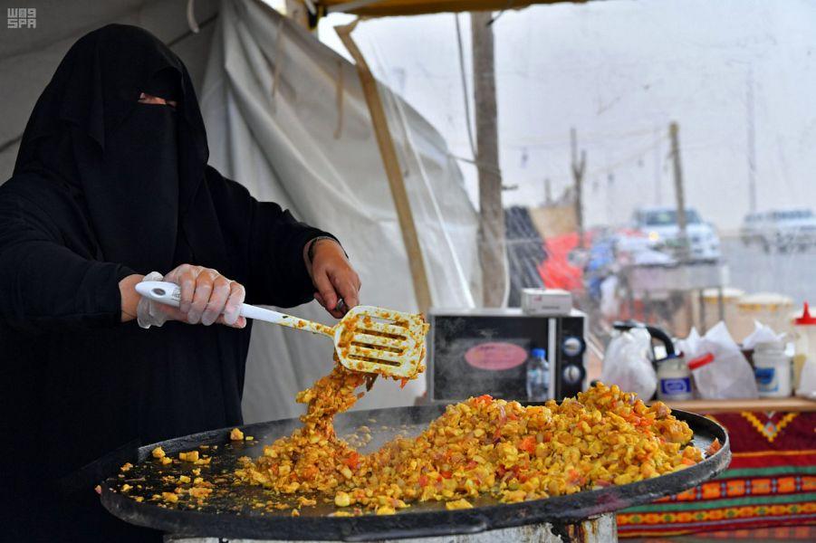 مهرجان الملك عبدالعزيز للإبل يخصص مساحة كبيرة للأسر المنتجة