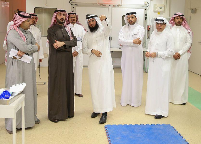 رئيس اتحاد القدم يطلع على مختبرات كلية علوم الرياضة والنشاط البدني بجامعة الملك سعود