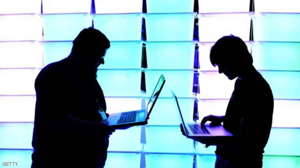 """موسكو تستعد لـ""""حرب إلكترونية كبرى"""" بقطع الإنترنت"""