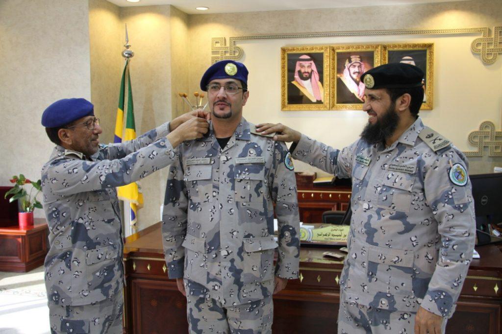 قائد حرس الحدود بتبوك يقلد عدداً من الضباط رتبهم الجديدة