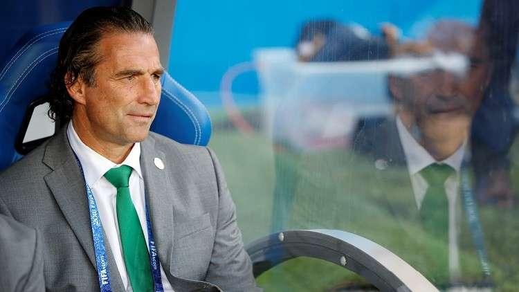 اتحاد الكرة يقرر عدم تجديد عقد مدرب الأخضر خوان بيتزي