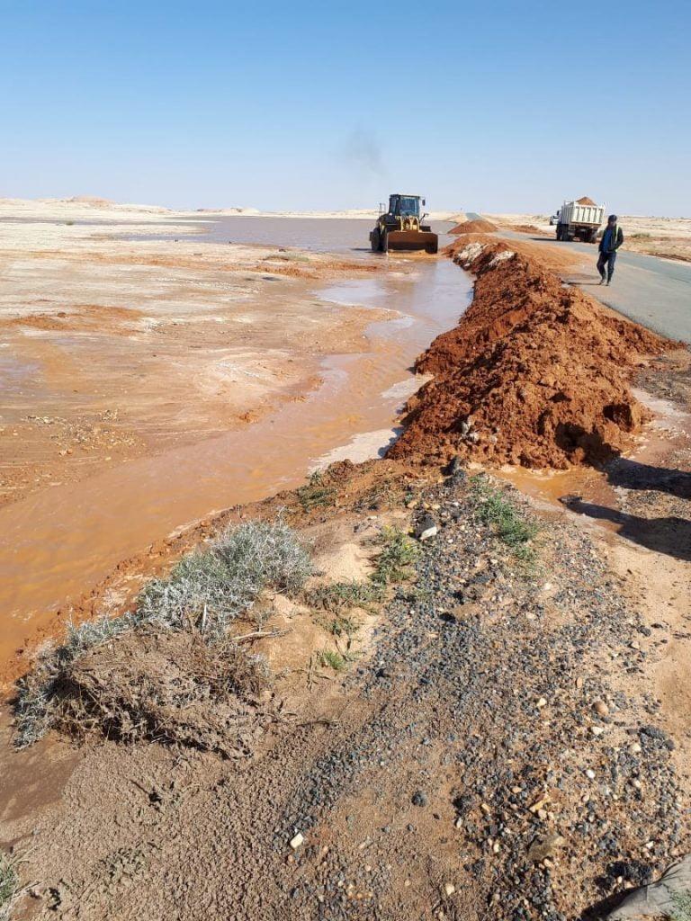 بلدية محافظة تيماء تطبق خطة الطوارئ تزامنًا مع هطول الأمطار