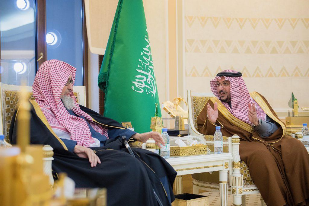 الأمير فيصل بن مشعل يستقبل عضو هيئة كبار العلماء الشيخ صالح الفوزان