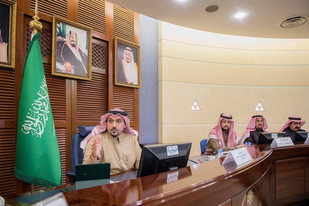 """أمير القصيم يترأس اجتماع اللجنة العليا لتفعيل حملة """"تعزيز الأمن الفكري"""""""