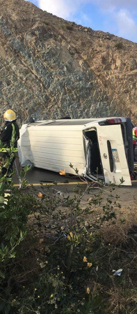 حادث مروري يصرع أربعة ويصيب ثمانية في الباحة