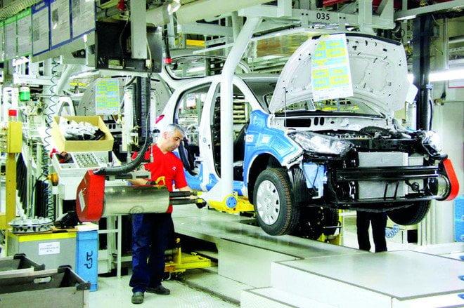 الاقتصاد التركي يواصل انتكاساته .. الناتج الصناعي يهوي 7.3 %