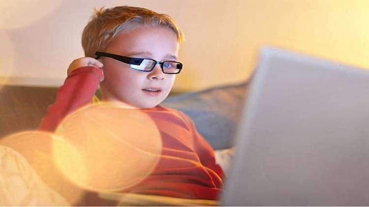 """نظارات غوغل الذكية """"تعالج"""" الأطفال من التوحد"""