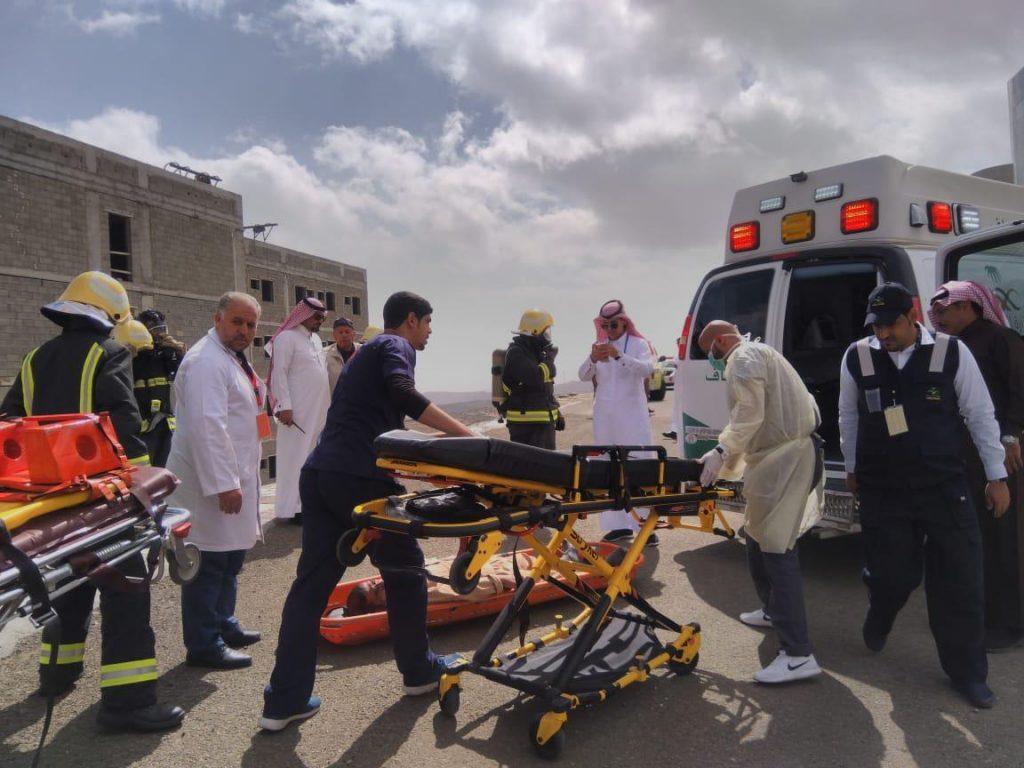 مدني الباحة ينفذ فرضية حريق بمستشفى القرى