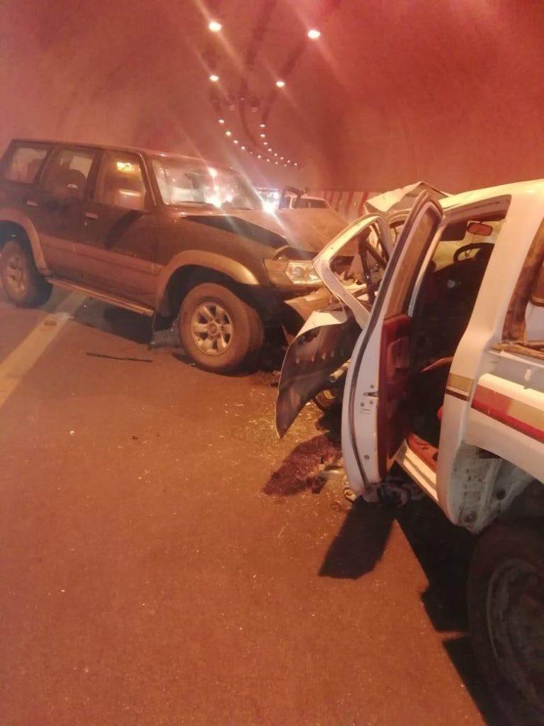 إصابة ثلاث أشخاص بإصابات بين متوسطة وخطيرة في حادث مروري بالباحة