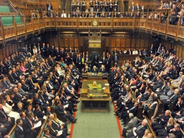 مجلس العموم البريطاني يرفض إجراء استفتاء ثانٍ في حال فشل بريكست