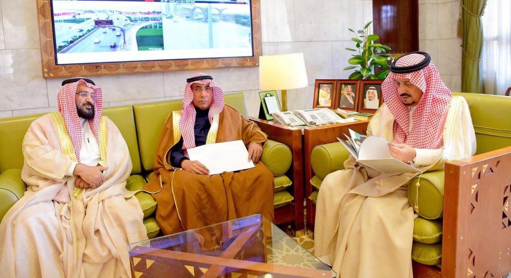 """أمير الرياض يستقبل رئيس مجلس إدارة جمعية التوعية والتأهيل الاجتماعي """"واعي"""""""