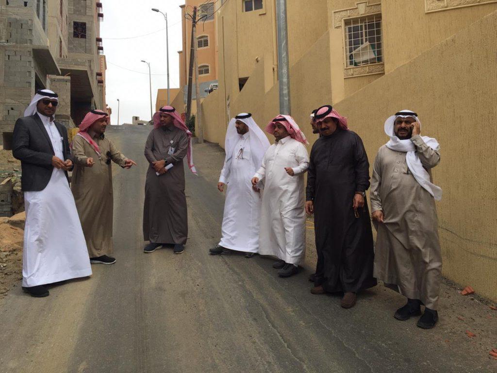 المجلس البلدي يزور حي الوصايف بأبها