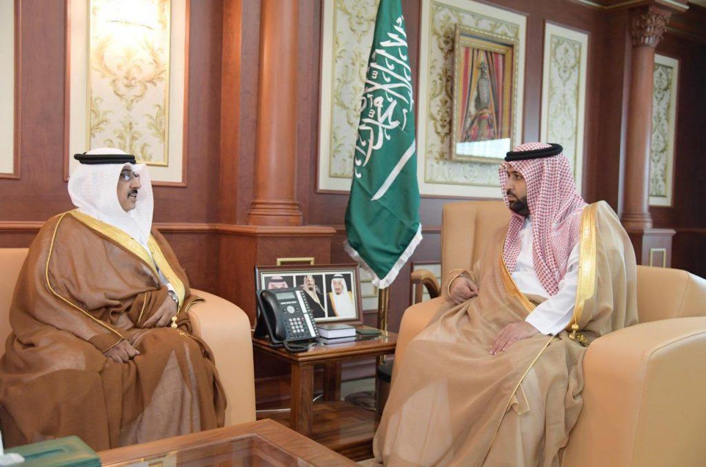 الأمير محمد بن عبدالعزيز يلتقي وفد وكالة الأحوال المدنية