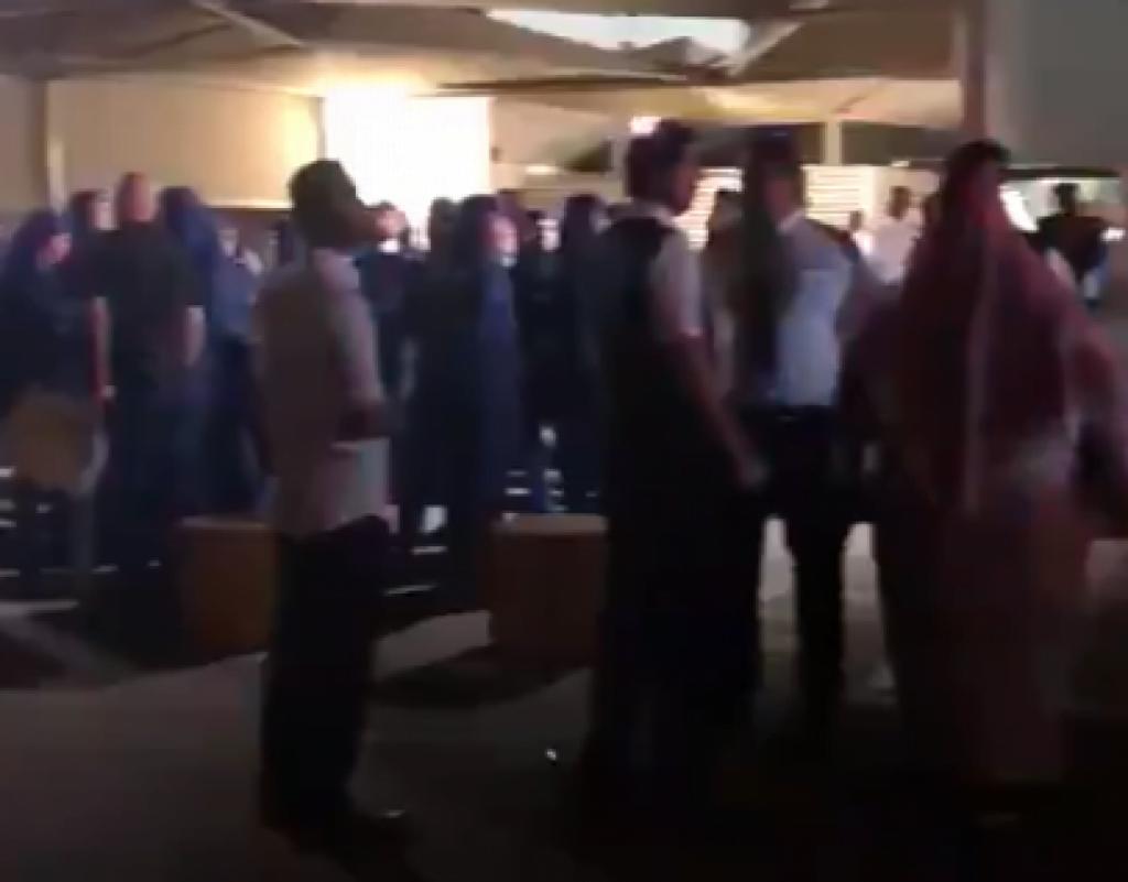 وصول جثماني ملاحَي الخطوط السعودية المتوفيين بتفجيرات سريلانكا (فيديو)