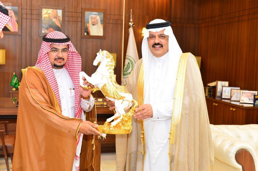 أمير منطقة حائل يكرم الفائزين والداعمين لميدان الفروسية