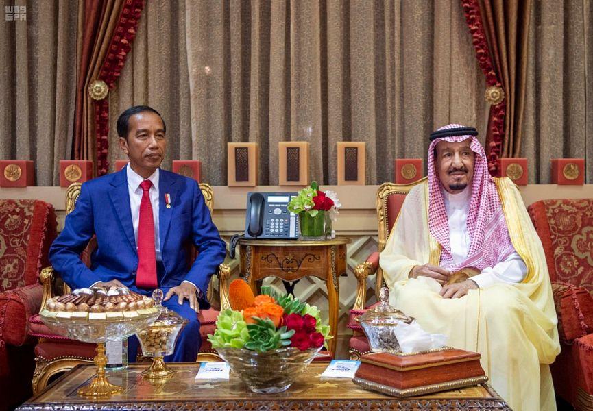 خادم الحرمين الشريفين يستقبل رئيس جمهورية اندونيسيا