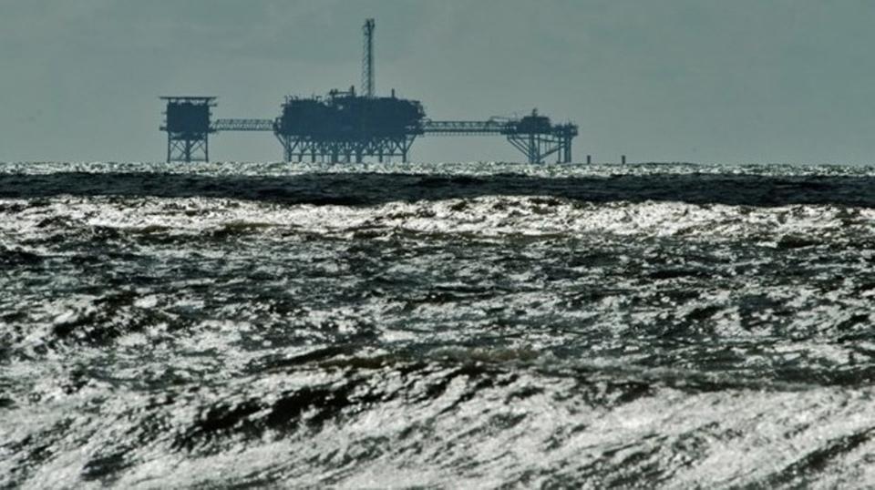 مناورات أميركية فرنسية بريطانية لإزالة ألغام في الخليج