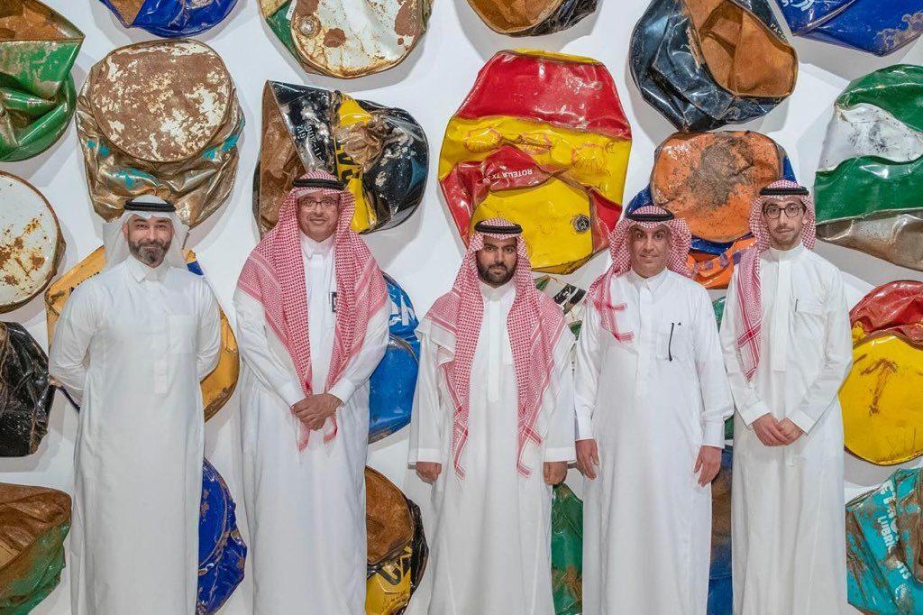 وزير الثقافة يزور مركز الملك عبدالعزيز الثقافي بالمنطقة الشرقية