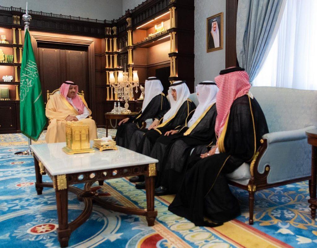 أمير الباحة يستقبل نائب رئيس مجلس الأمناء لمركز الملك عبدالعزيز للحوار الوطني