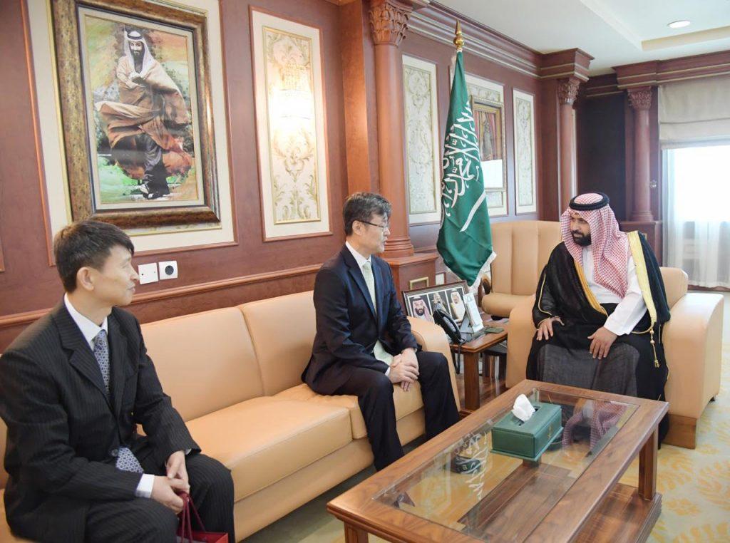 نائب أمير منطقة جازان يستقبل القنصل الكوري الجنوبي لدى المملكة