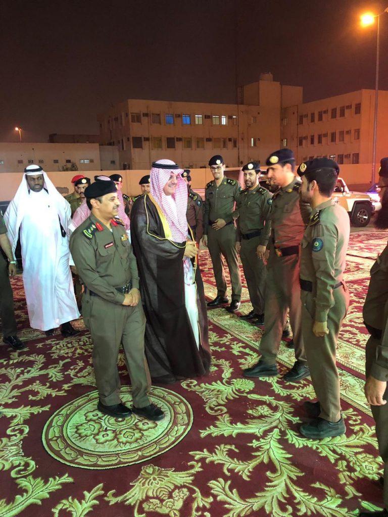 الأمير منصور بن محمد يزور الإدارة العامة للدفاع المدني بحفرالباطن