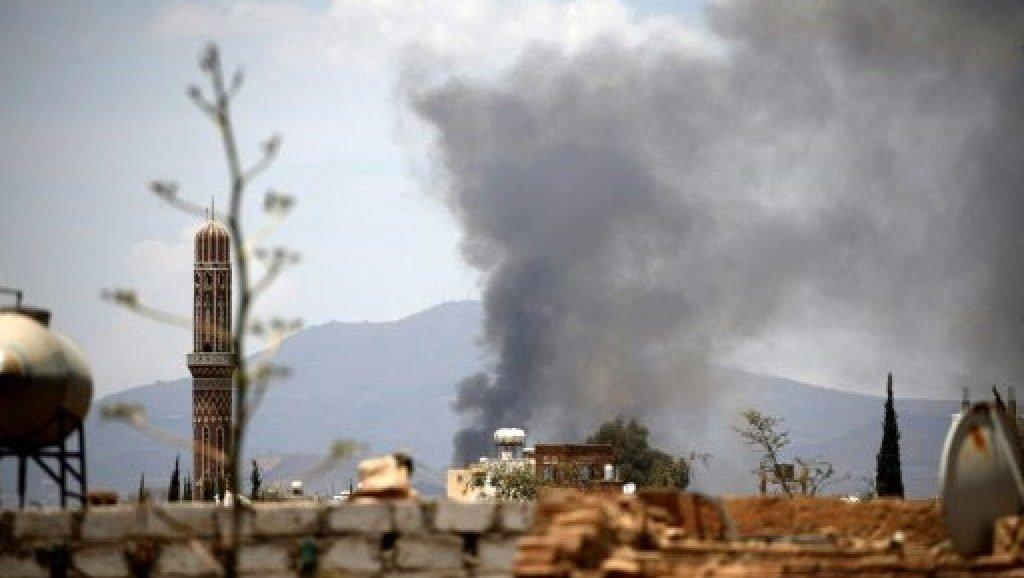 غارات جوية تدمر منصات إطلاق صواريخ الحوثية جنوبي تعـز