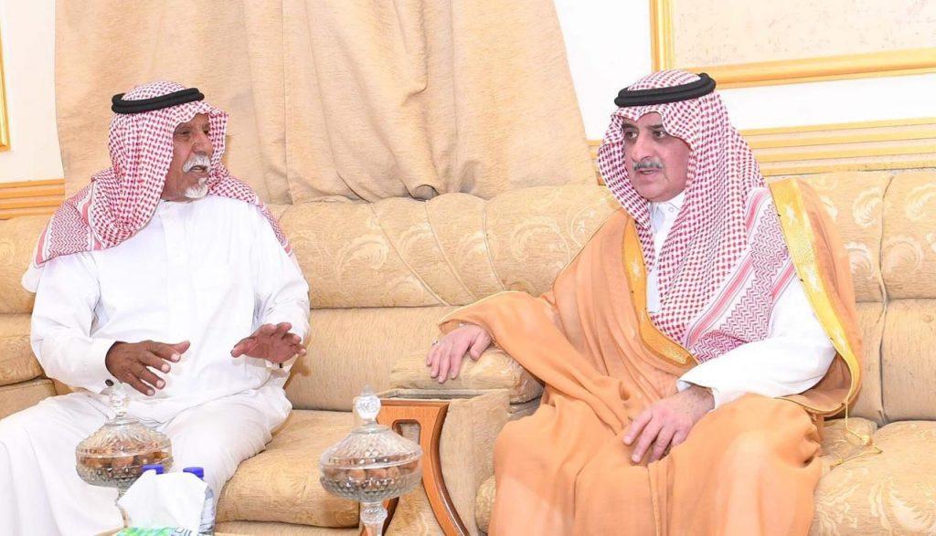 أمير منطقة تبوك يواسي الشيخ عبدالله الضيوفي في وفاة ابنه