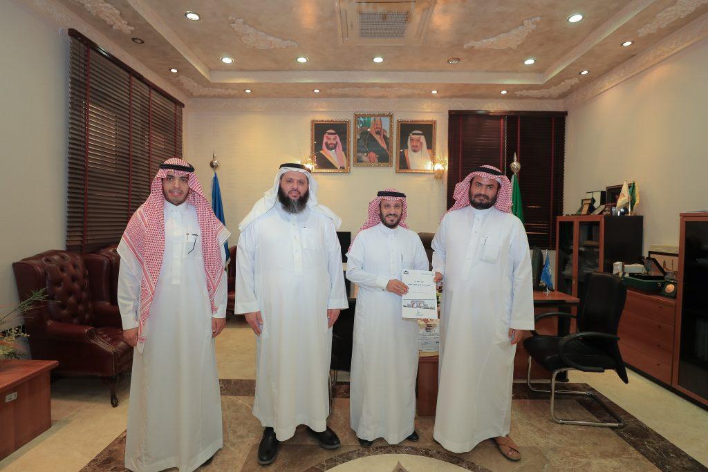 مدير الجامعة الإسلامية المكلف يدشن عددًا من أبحاث كرسي دراسات المسجد النبوي