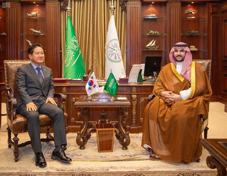 الأمير خالد بن سلمان يلتقي نائب وزير الدفاع الكوري