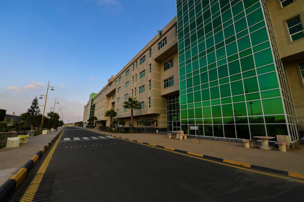 تحديد مواعيد التحويل واستمرار القبول للدراسات العليا بجامعة الملك خالد