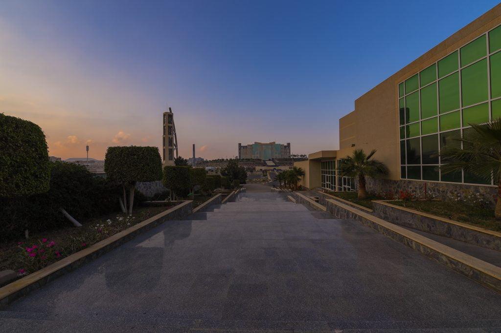 جامعة الملك خالد تحدد موعد التسجيل في اختبار القبول بقسم اللغة الإنجليزية