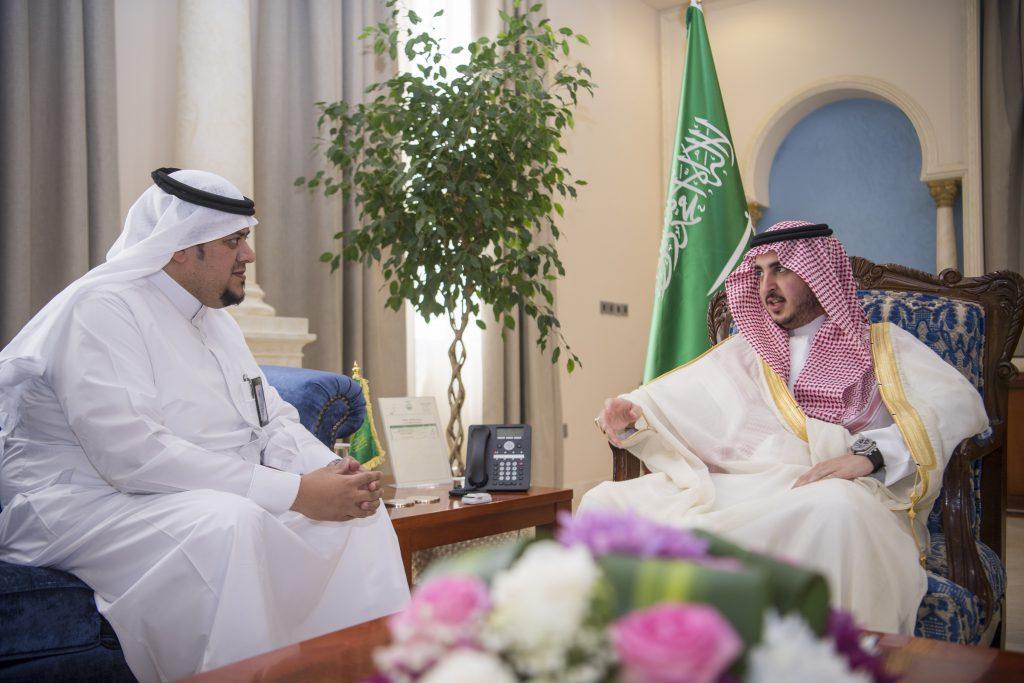 أمير الجوف يستعرض المشاريع والخدمات الصحية بالمنطقة