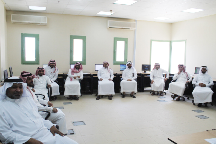 الكلية التقنية بنجران تنفذ عدد من البرامج تدريبية المساندة لأعضاء هيئة التدريب والمتدربين