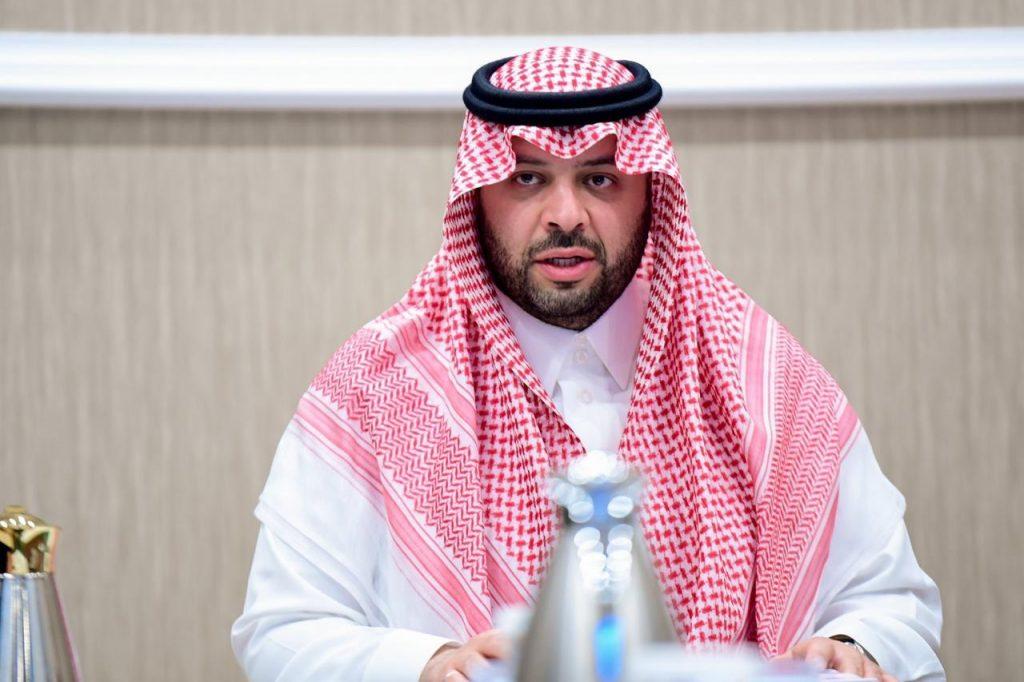 أمير منطقة الحدود الشمالية يرأس اجتماع اللجنة الإستشارية النسائية