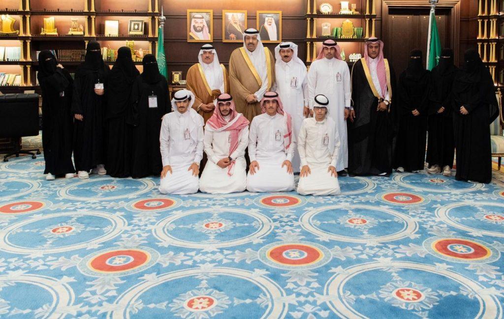 أمير الباحة يستقبل رئيس مركز معشوقة