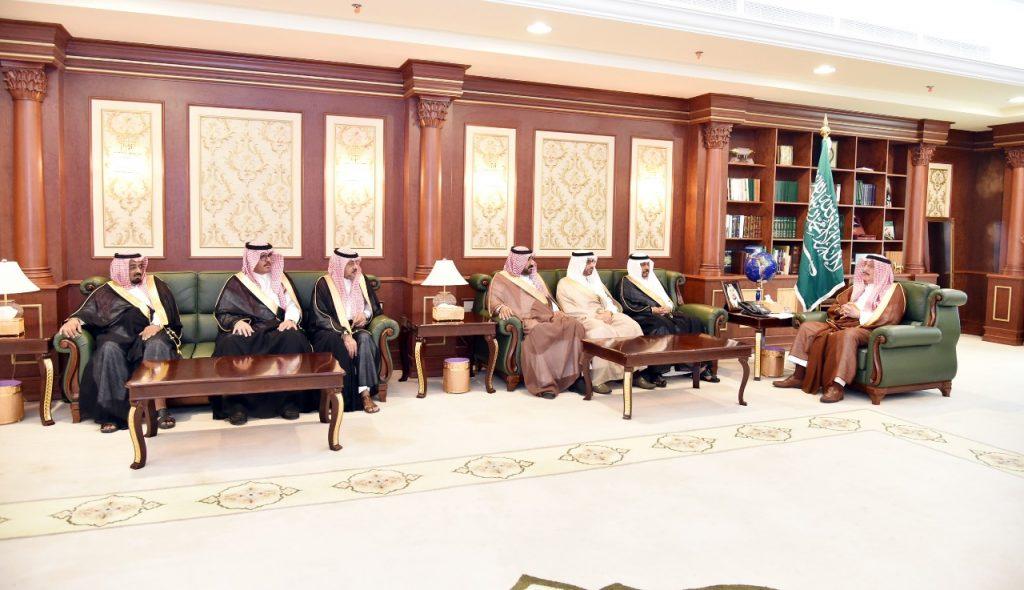 أمير منطقة جازان يستقبل المحافظين المهنئين بشهر رمضان المبارك