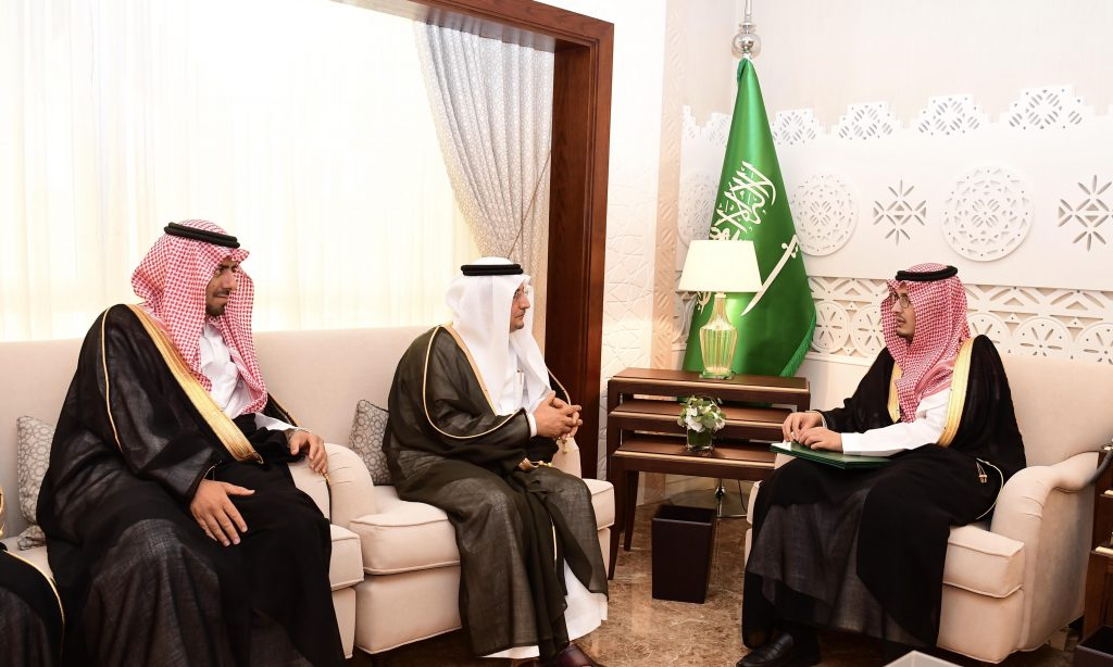 الأمير أحمد بن فهد يستقبل معالي مدير جامعة حفر الباطن ومحافظ النعيرية