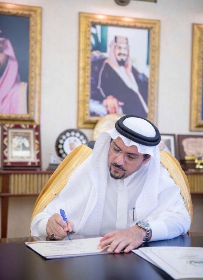 أمير القصيم يوجه بمنع مسيرات الزواجات وتطبيق الأنظمة بحق المخالفين