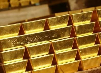 الذهب يستقر بعد نزوله من ذروة 15 أسبوعاً