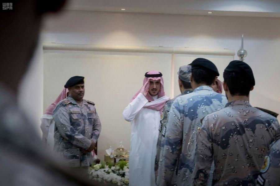 أمير الجوف ينقل تهنئة القيادة لضباط وأفراد حرس الحدود بعيد الفطر