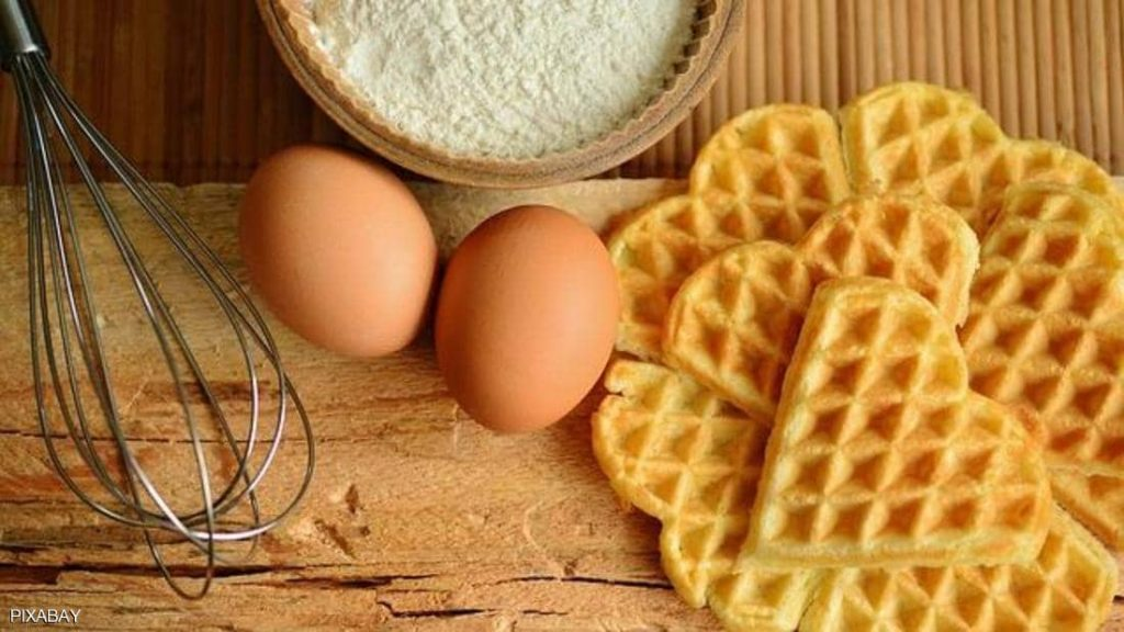 أطعمة ترفع الكوليسترول وأخرى تساعد على التخلص منه