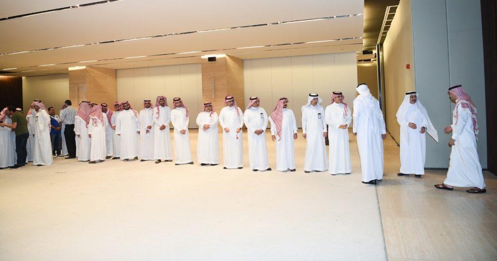 مركز الملك عبد العزيز للحوار الوطني يعايد منسوبيه بمناسبة عيد الفطر المبارك