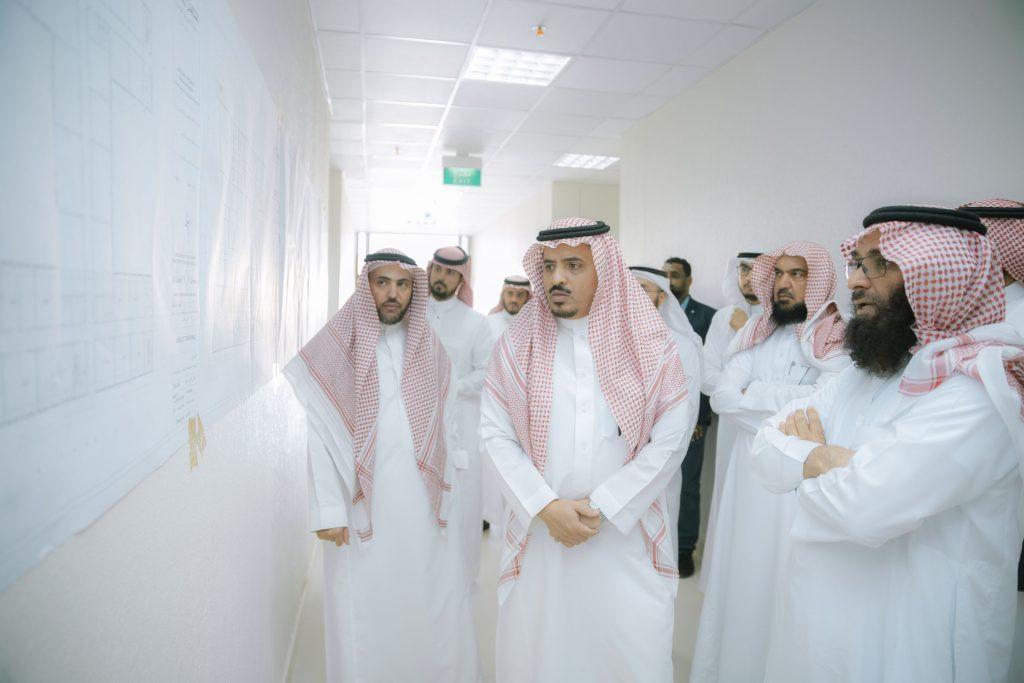 مدير جامعة القصيم يتفقد مبنى كلية العلوم والآداب للبنات ببريدة