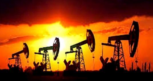 أسعار النفط ترتفع بعد حادث شحن في خليج عمان