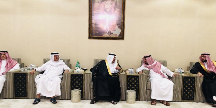 أمير نجران يستقبل المعزين في وفاة الأمير محمد بن متعب
