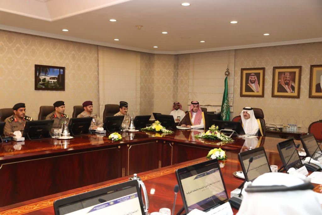 أمير المنطقة الشرقية يؤكد على متابعة الخدمات الكهربائية والمياه وعدم حدوث أي انقطاعات